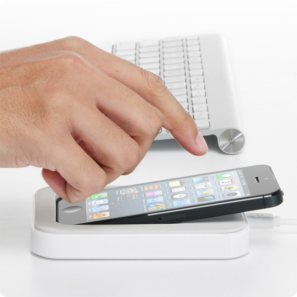 Lightning: Dock your iPhone 5 right where you need it (White)